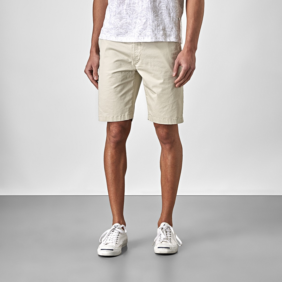 Bowery Chinos Shorts Ljusbeige | East West | Brothers.se