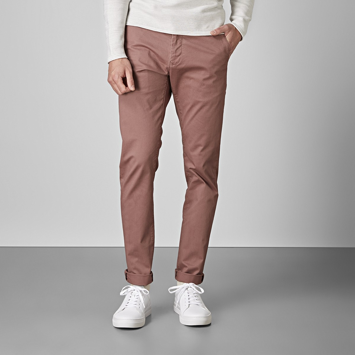 Bowery Stretch Chinos Vinröd 2   East West   Brothers.se