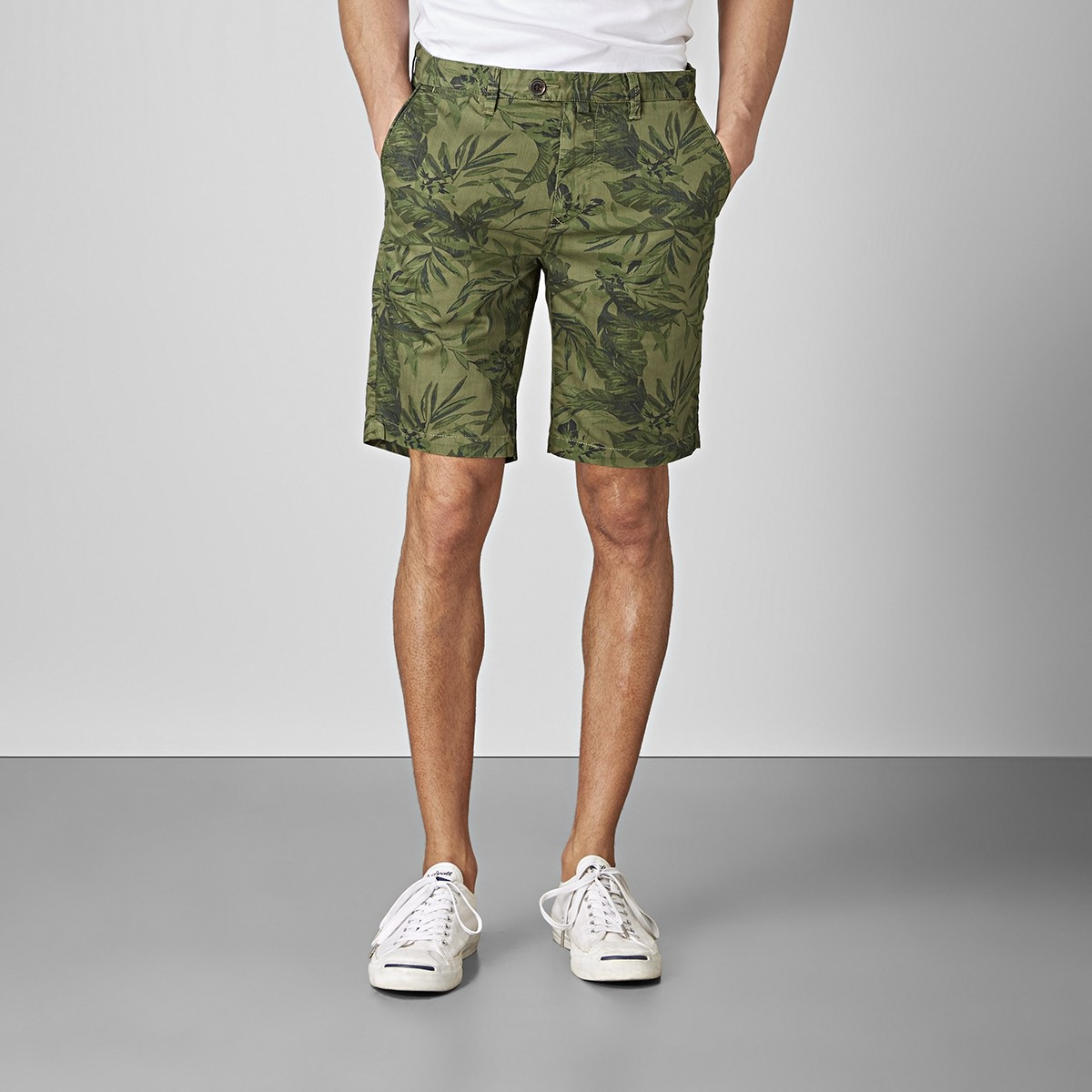 Bowery Chinos Shorts Militär | East West | Brothers.se