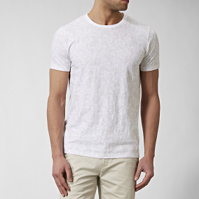 T-shirt Emric Vit | East West | Brothers.se
