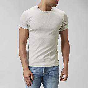 T-shirt O-neck Krämvit | East West | Brothers.se